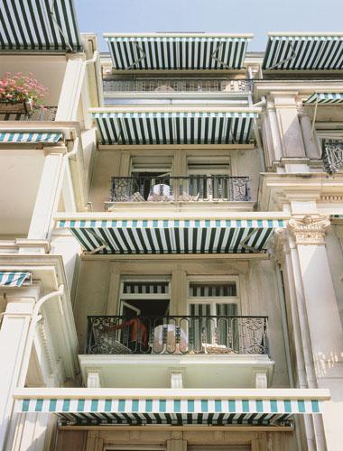 Маркиза, тент Family на балконен